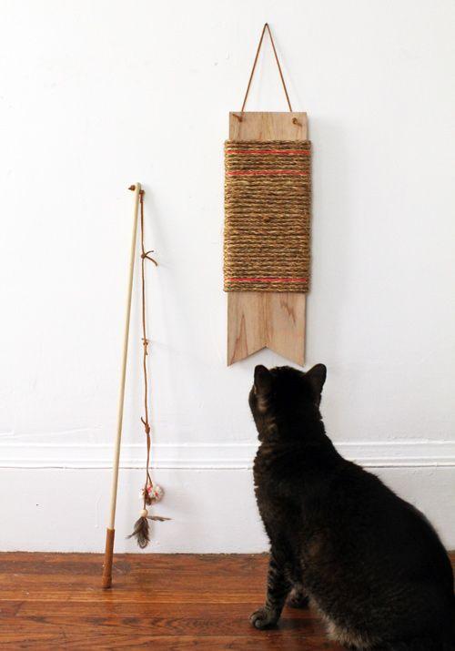 Mainan Kucing Murah yang Dapat Anda Temukan di Sekitar Rumah Anda